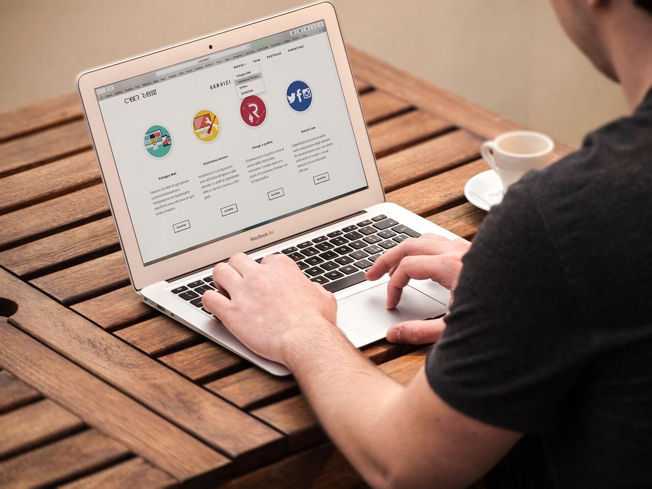 Cum se face un site? (I)