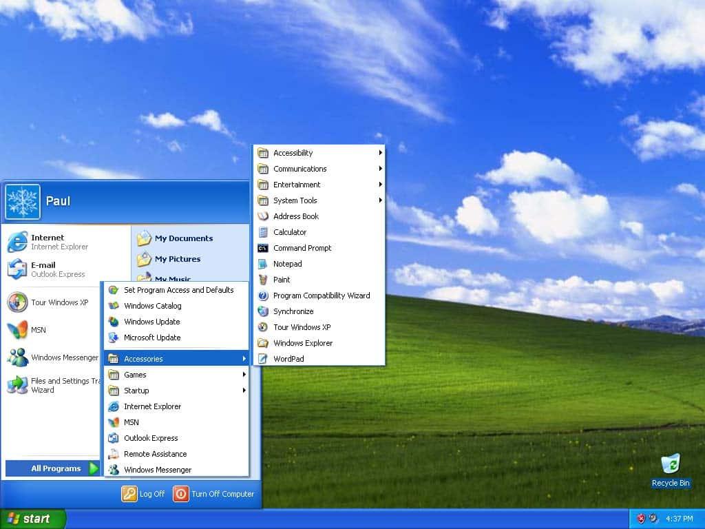 Unul din doi români folosește programe și sisteme de operare învechite